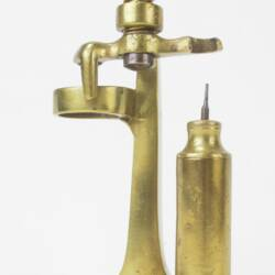 UK HAW CAP A63½ Brass pusher