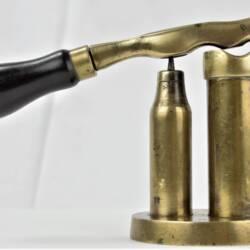 UK BAR CAP Barrel-Pillar W.R. Pape (2)