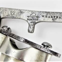 UK BAR CAP Hand Nickel-Plated (3)